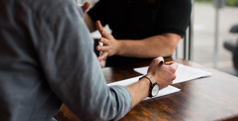 Contrat d'agent commercial : quelles clauses négocier, quelles précautions prendre ?